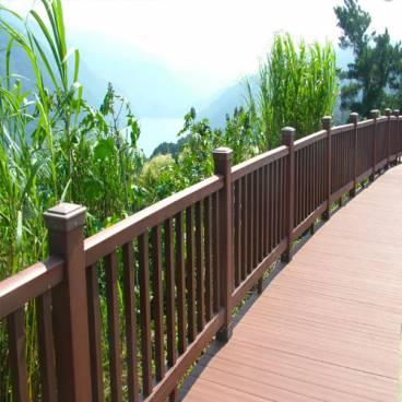 Hàng rào lan can gỗ nhựa